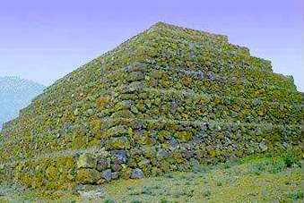 Seven pyramids identified on the African island of Mauritius Maurice08
